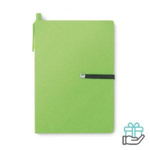 Gerecycled kartonnen notitieboekje pen groen bedrukken
