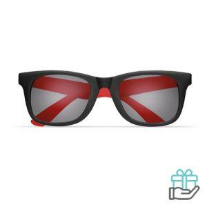 Klassieke zonnebril gekleurde pootjes rood bedrukken