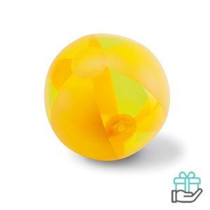 Opblaasbare strandbal trend geel bedrukken